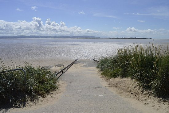 Beautiful day in West Kirby!