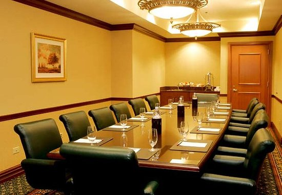 Burr Ridge, IL: Boardroom