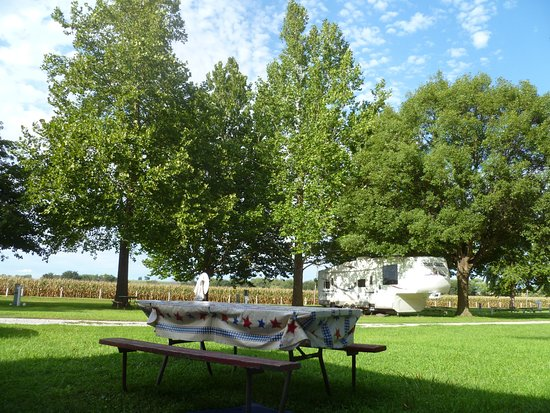 Sabetha, KS: SUMMER IN THE CAMPGROUND