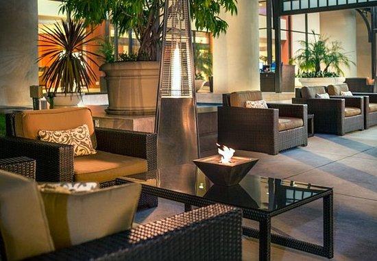 Manhattan Beach, Kalifornien: Outdoor Seating Area