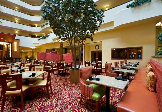 Middleton, Висконсин: Falling Water Bar & Grill