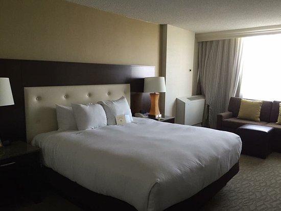 DoubleTree by Hilton - Washington DC - Crystal City: photo1.jpg