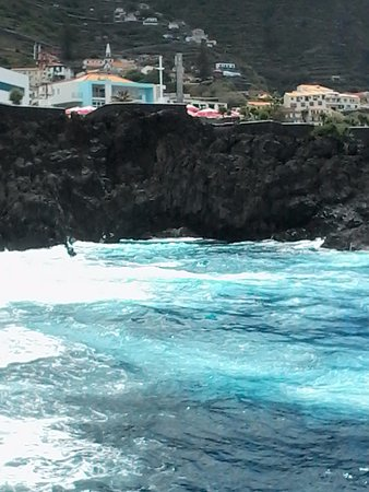 Porto Moniz Natural Swimming Pools: Ao redor 1