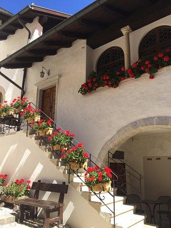 Coredo, Italië: Eremo di San Romedio, angoli suggestivi
