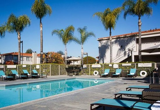 La Mirada, Californië: Outdoor Pool & Spa