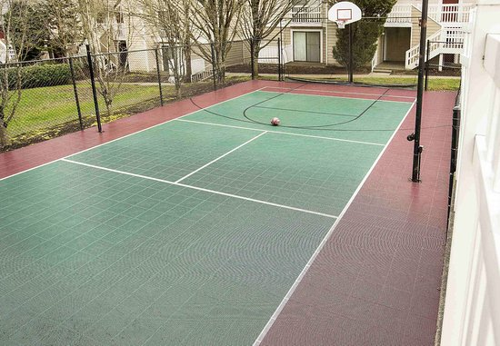 Lake Oswego, OR: Sport Court