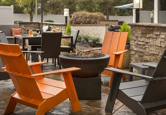 Lake Oswego, OR : Outdoor Patio & Fire Pit