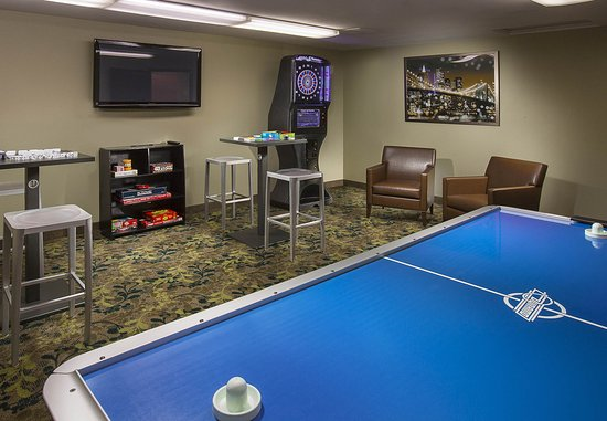 Lake Oswego, OR: Game Room