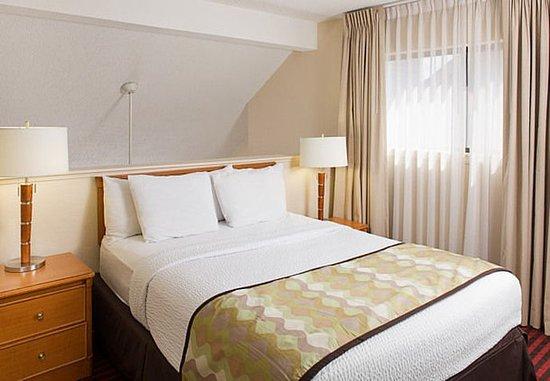 Madison Heights, MI: One- & Two-Bedroom Suite – Loft Bedroom Area