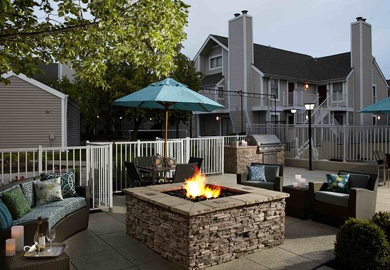 Sharonville, OH: Outdoor Patio