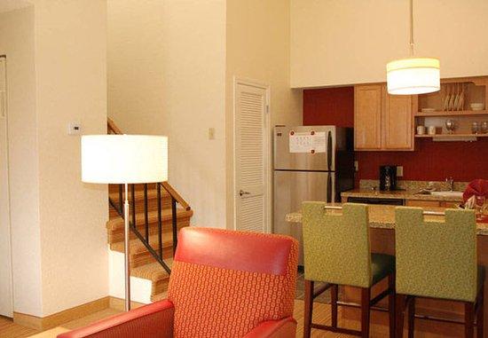 ซานมาเทโอ, แคลิฟอร์เนีย: Penthouse Suite Kitchen