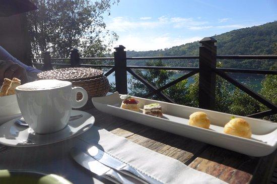 Ponta dos Ganchos Exclusive Resort: Vista na varanda do café