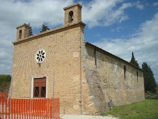 Monsampolo del Tronto, Italien: L'Abbazia dei Ss. Benedetto e Mauro