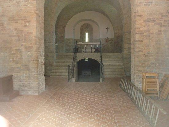 Monsampolo del Tronto, Italien: Interno dell'abbazia