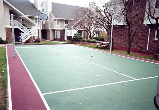 Windsor, CT: Sport Court