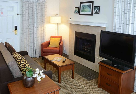 Amherst, NY: Studio Suite - Living Area