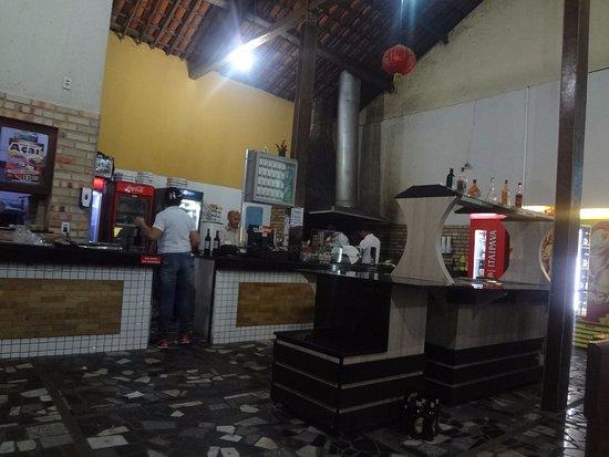 Espaço do bar e da cozinha