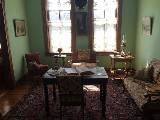 Hinckley, MN: Room in restored apartment