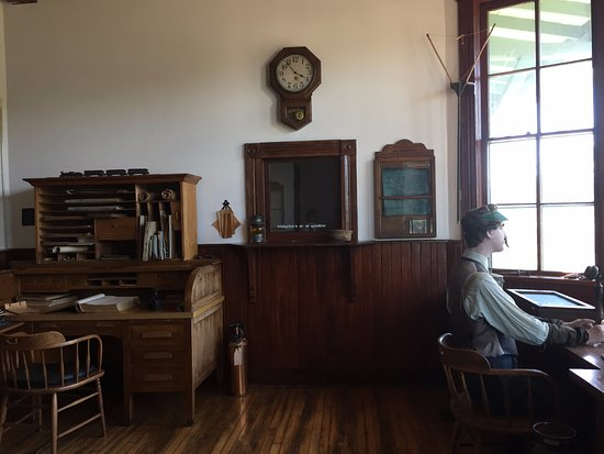 Hinckley, MN: Thomas Dunn at the telegraph in the train depot