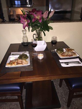 Hyatt Carmel Highlands: Homemade spaghetti and cooked artichokes