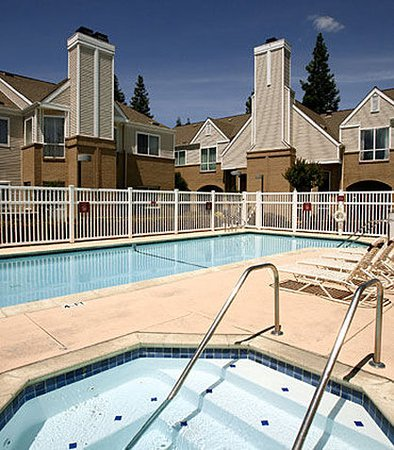 Pleasant Hill, CA: Outdoor Whirlpool