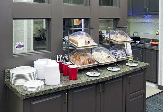 Corona, Kalifornien: Breakfast Buffet
