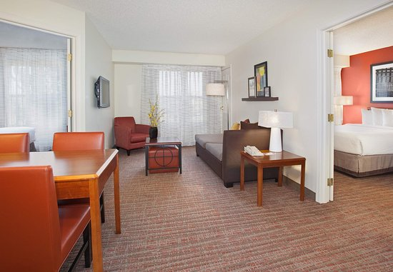 Louisville, Kolorado: Two-Bedroom Suite