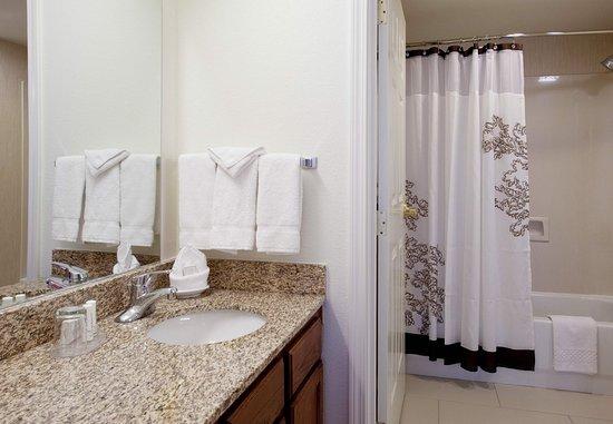 Louisville, Kolorado: Guest Bathroom