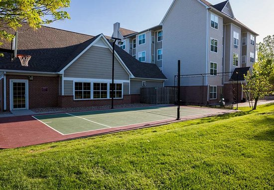 Independence, MO : Sport Court