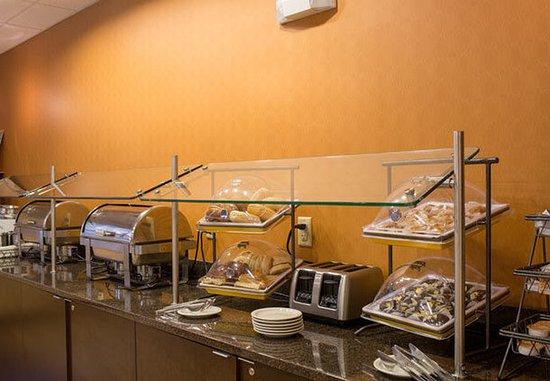 North Little Rock, AR: Breakfast Buffet