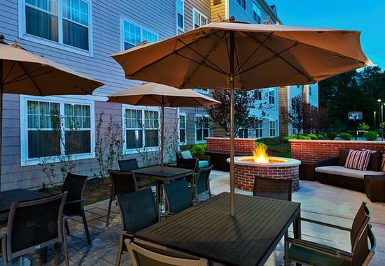Stanhope, Nueva Jersey: Outdoor Patio & Fire Pit