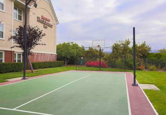 Morgan Hill, Kaliforniya: Sport Court