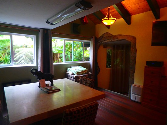 Chalet Kilauea: Jungle View and Plenty of Room.