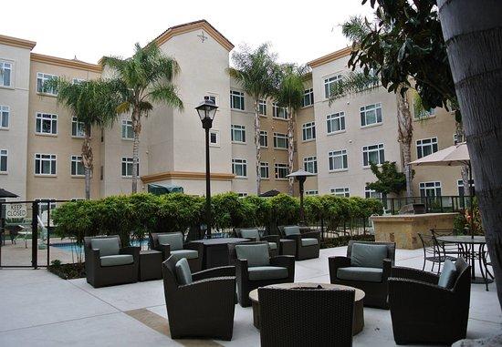 Westlake Village, Kalifornia: Pool and Patio