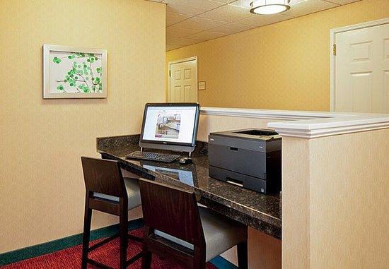North Dartmouth, MA : Business Center