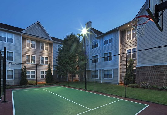 Southington, CT: Sport Court
