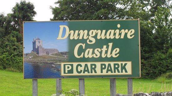 Кинвара, Ирландия: Sign for Castle Car Park.