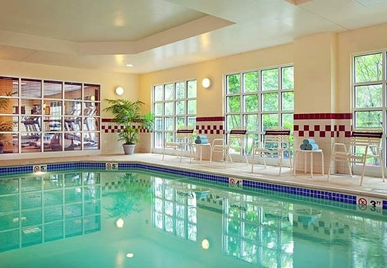Woburn, MA: Indoor Pool