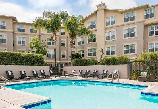 Los Alamitos, Καλιφόρνια: Outdoor Pool