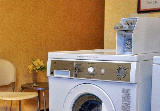 Avon, CT: Guest Laundry