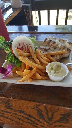Goodland, FL: Mahi sandwich and yummy fries!