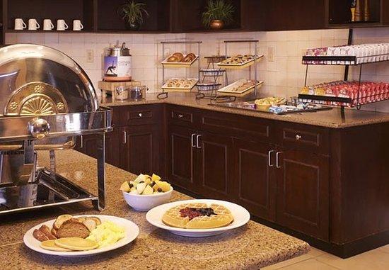 Southern Pines, Carolina del Norte: Breakfast Buffet