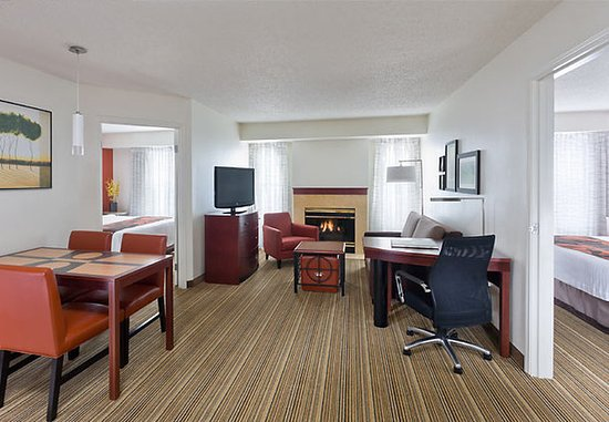 Poland, Ohio: Two-Bedroom Suite – Living Area