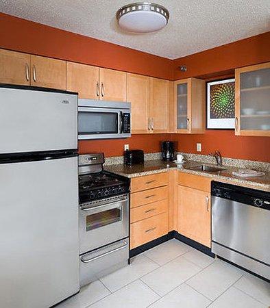 Poland, Ohio: Two-Bedroom Suite – Kitchen