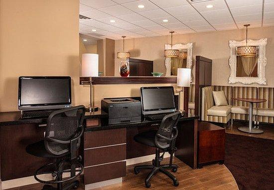 White Plains, Нью-Йорк: Business Center