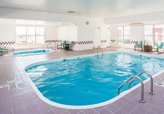 Lewisville, Teksas: Indoor Pool & Hot Tub