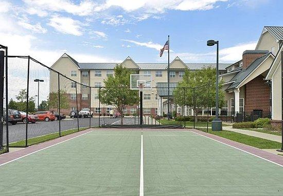 Aurora, CO: Sports Court
