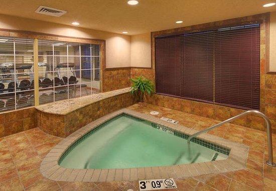 Joplin, MO: Indoor Whirlpool