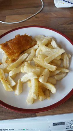 Paddock Wood, UK: Under cooked chips. Shame used to be lovely
