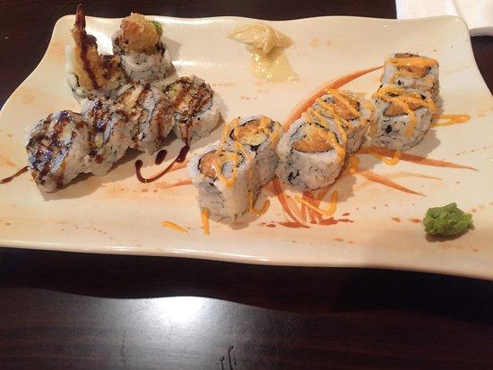 Austin, MN : Shrimp tempura and spicy salmon. Delicious!